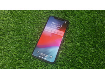 Б/У смартфон Apple iPhone X 256Gb, серый космос